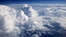 Ciel Avec Des Nuages Blancs T 233 L 233 Charger Des Photos