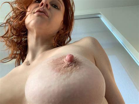 Lady Snow Tits