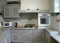 peinture meuble de cuisine cuisine r 233 nov 233 e avec peinture v33 effet patin 233 blanc