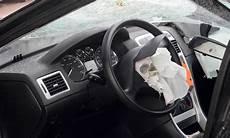 voyant volant voyant d airbag les causes c est un grand classique et cela arr