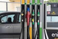 gazole moins cher gazole moins cher que l essence 231 a va durer otocars