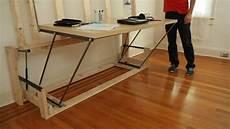 Desk Ein Tisch Mit Bett Das Leben Als