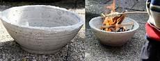 pflanzgefäße aus beton selber machen eine feuerschale aus beton f 252 r den garten kann kann