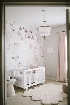 kinderzimmer tapete ideen s floral whimsy nursery baby nursery ideas