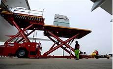transport voiture par avion transport de chevaux par avion cargo 75008