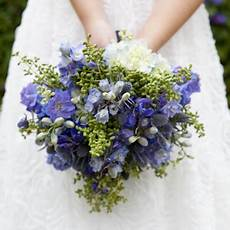 check out this stunning blue wedding bouquet and how to