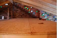 osb platten auf balken schrauben rohbau schlafboden das reh im garten gartenblog
