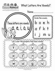 worksheet for vowels for kindergarten what letters are vowels worksheet thanksgiving vowel lesson page 1