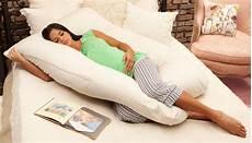 almohada ideal para dormir almohadas para embarazadas beneficios tipos y uso para