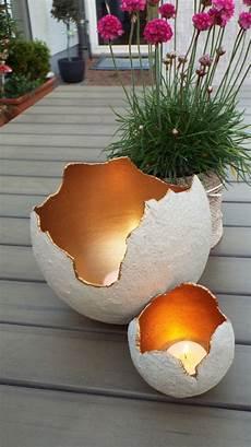 lichtkugeln aus beton f 252 r kreative innen mit gold
