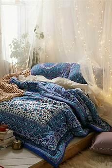 Deco Lumineuse Chambre 1001 Id 233 Es Pour La D 233 Coration D Une Chambre Gris Et Violet