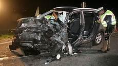 Unfall Schwerer Autounfall In Bayern Zwei Tote