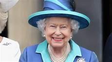 K 246 Nigin Elisabeth Ii Mit 99 Jahren Muss Sie Noch Einmal