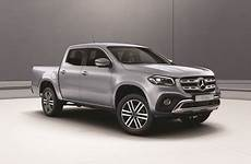X Klasse Mercedes - official mercedes x class safety rating