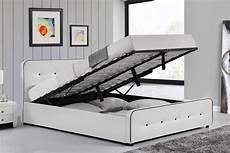 cadre de lit avec coffre cadre de lit design capitonn 233 blanc avec coffre 140