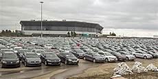 ber vw parkplatz probleme mit abgastests volkswagen muss autos am ber flughafen abstellen berliner zeitung