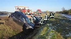 stau a1 hamburg bremen bremen a1 schock bei unfall auf autobahn junge zwillinge sitzen im auto bremen