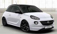 Adam Slam In Arctic White Foh Wartesaal Der Opel Adam