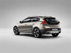 2019 volvo v40 will spawn new ev with two battery options