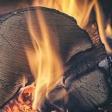Kamin Richtig Anfeuern - wie feuere ich meinen kamin richtig an kamin wissen