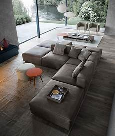 sofa im raum stellen sofas richtig im wohnzimmer platzieren sofa wohnzimmer