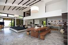 Unique House With A Big Open Space From Portobello Road