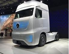 with mercedes 2025 future truck daimler unveils a