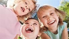 kinder lachen lachen macht kinder stark f 252 rs ganze leben