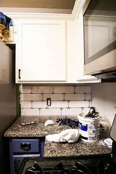 Install Kitchen Backsplash How To Install A Subway Tile Backsplash Tips Tricks