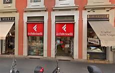 feltrinelli libreria roma chiude la libreria feltrinelli di via manzoni a