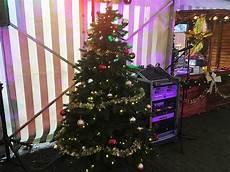 weihnachtsbaum mieten mit licht und kugeln verleih