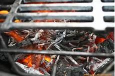 Räucherchips Für Gasgrill - grill m 228 schda der smoken im gasgrill