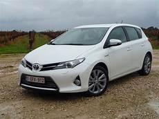 Essai Toyota Auris Hybride 2 Enfin Un Coffre