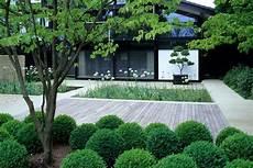 Divinely Simple Contemporary Garden Design