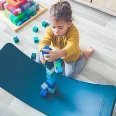 kindersachen online minamo holzspielzeug coole kindersachen und babyartikel