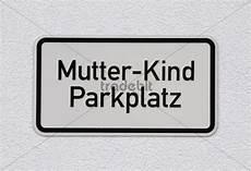 Schild Mutter Parkplatz Vorgemerkter Parkplatz