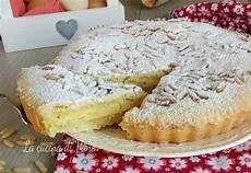 crema pasticcera ricetta della nonna torta della nonna ricetta dolce con crema pasticcera pasta frolla e pinoli