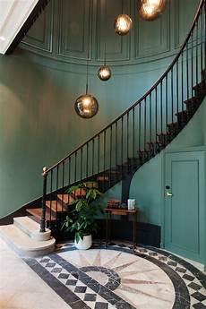 deco pour escalier the hoxton the hotel but differently en 2019 deco cage