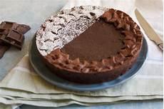 crostata con crema al cioccolato fatto in casa da benedetta crostata al cioccolato anche senza usare le uova di pasqua tre muffin e un architetto