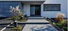 Hauszugang Und Gartenwege Rund Ums Haus Gut Unterwegs