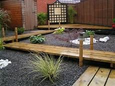 Gartenweg Aus Holz - gartengestaltung mit holz 21 ideen f 252 r ein nat 252 rliches flair