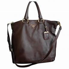 prada handtaschen aus leder braun 1826874