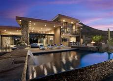 pretty contemporary beautiful modern house in desert