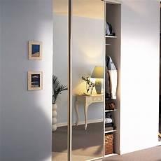 porte coulissante placard lot de 2 portes de placard coulissante miroir argent l 120