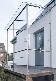 Ein Selbst Gebautes Vordach Mit Dem Praktischen