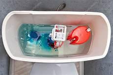 Splachovac 237 Mechanismus Uvnitř N 225 Drž Wc Modr 233 Vody
