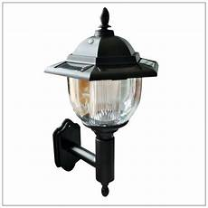 traditional solar powered led outdoor garden wall lantern