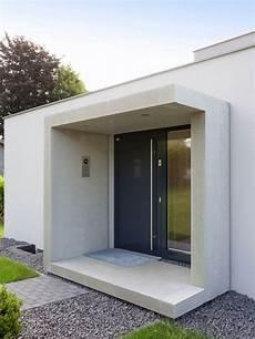 Hauseingang Modern Gestaltenmittelgroer Eingang Mit