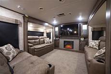 5th Wheel With Living Room In Front