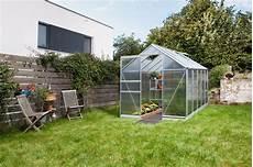 glas für gewächshaus gartenhaus aus stein f 252 r wen es sich eignet und lohnt